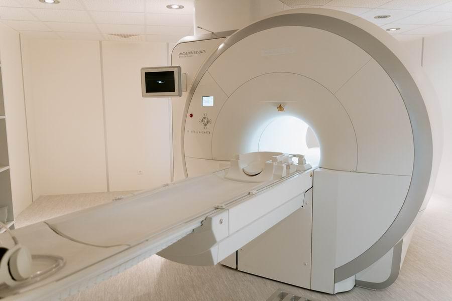 Zárt vs. nyitott MR vizsgálat